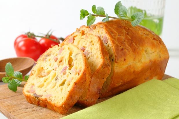 мясной кекс с сыром и фасолью