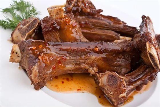 Ребра говядина в духовкеы с фото