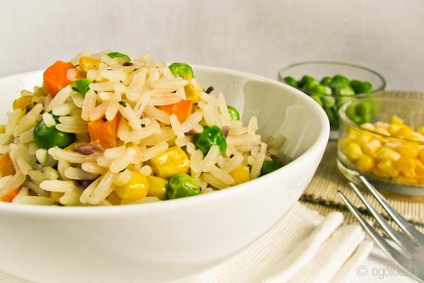 рис с кукурузой и горошком на гарнир
