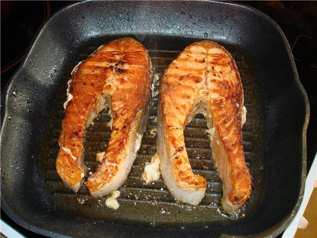 Мелкая форель жареная на сковороде рецепт